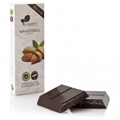 Schokolade aus Modica mit Mandeln