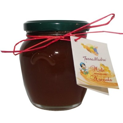 Honig aromatisiert mit haselnuss
